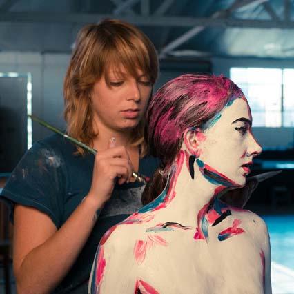 Maliarka Alexa pomaľovala ľudské telo úžasným spôsobom, z 3D do 2D-candyman.sk (4)