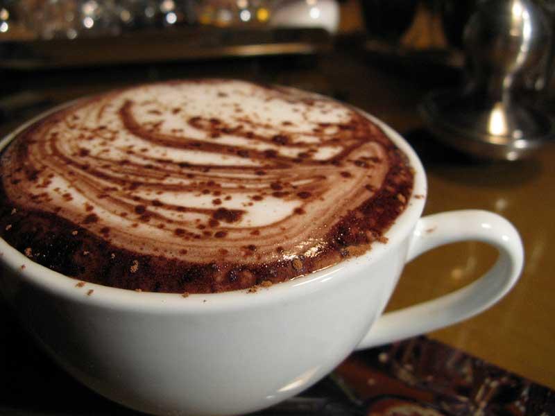 Ako-si-pripraviť-lahodnú-horúcu-čokoládu-doma,-účinky-čokolády-candyman.sk