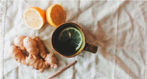 zázvorový čaj s citrónom