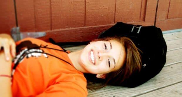 dievča úsmev